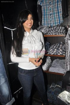 Ayesha Takia Launches Blacksoul Showroom on September 2011 Indian Bollywood, Bollywood Actress, Kareena Kapoor, Muslim Women, Sexy Curves, Indian Beauty, Indian Actresses, Blouse Designs, Showroom
