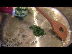 Más en http://elcocinerofiel.com/   Ingredientes:  1 kg de merluza, 50 g de harina  1 lata de espárragos, 1 copa de vino blanco  2 dientes de ajo, 1 puñado de perejil  Aceite de oliva y sal