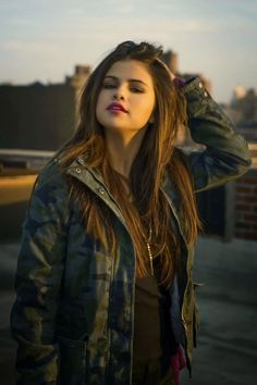 selena gomez OMG so pretty