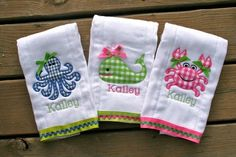 Embroidery baby bibs burp rags 62 New Ideas Baby Applique, Baby Embroidery, Embroidery Monogram, Applique Patterns, Viking Embroidery, Bib Pattern, Brother Embroidery, Embroidery Files, Baby Burp Cloths
