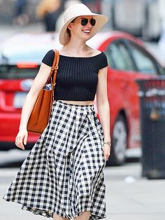 Star Tracks: Monday, May 11, 2015 | THE DEVIL WEARS CROP TOPS | Anne Hathaway proves that the crop top trend is here to stay while walking through N.Y.C.'s SoHo neighborhood on Sunday.