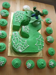 do hulk cake with bricks and smashed bricks instead of spiderwebs, do a spiderman cake with webs