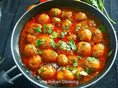 How to make Dum Aloo Bhaji Recipes, Spicy Recipes, Chicken Recipes, Indian Food Recipes, Ethnic Recipes, Baby Potatoes, Curries, Quick Easy Meals, Koken