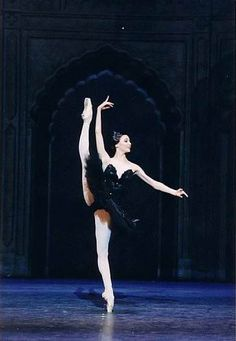 Svetlana Zakharova as the black swan doing