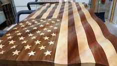 American Flag in Mahogany, Walnut and Maple x x – American Hardwood Flags Carpentry Projects, Wood Projects, Wooden American Flag, Wood Flag, Wood Colors, Wood Wall Art, Wooden Boxes, Interior Design Living Room, Wood Furniture
