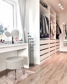 𝓼𝓮𝓻𝓮𝓷𝓭𝓲𝓹𝓲𝓽𝔂 Girl Bedroom Designs Ankleidezimmer 𝙗𝙮 𝒆𝒓𝒊𝒂𝒏𝒂𝒋𝒂𝒓𝒊𝒆 Walk In Closet Design, Bedroom Closet Design, Closet Designs, Bedroom Decor, Ikea Bedroom, Bedroom Furniture, Design Furniture, White Bedroom, Room Decor Bedroom