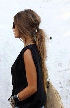 Peinados que puedes lograr aprovechando el frizz de tu cabello
