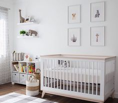 Nursery for one tiny cub! * scoot crib * : d. babyletto room ins Safari Theme Nursery, Giraffe Nursery, Nursery Themes, Nursery Room, Themed Nursery, Nursery Ideas, Nursery Decor, Jungle Nursery, Girl Nursery