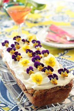 Raparperi-vaniljakakku - Sweet Food O´Mine Sweet Recipes, Cake Recipes, Decadent Cakes, Beautiful Cakes, Yummy Cakes, Chocolate Cake, Cereal, Birthday Cake, Limes