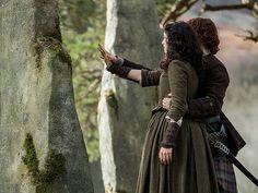 5 Biggest Shocks from the Outlander Season 2 Finale| Outlander, Caitriona Balfe, Sam Heughan