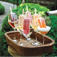 Grown-Up Dessert - The Ultimate Backyard Pizza Party - Southernliving. Fancy up frozen fruit pops with a splash of Prosecco for a fun and colorful display. Perfect keep-you-cool drinks for my backyard bbq! Champagne Popsicles, Prosecco Ice Lollies, Snacks Für Party, Pizza Party, Cocktail Drinks, Champagne Cocktail, Bbq Drinks, Champagne Toast, Champagne Glasses
