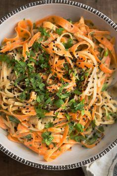 Carrot Rice Noodle Bowl with Tahini-Sriracha Sauce and Cilantro | @naturalllyella