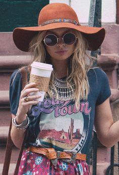 floppy hat + circle shades