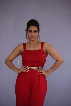 Telugu TV Anchor Manjusha Hot In Sleeveless Red Top TV actress Photographs TV ACTRESS PHOTOGRAPHS | IN.PINTEREST.COM #ENTERTAINMENT #EDUCRATSWEB