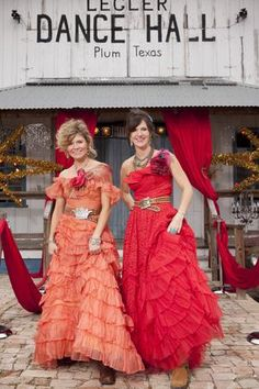 amie and Jolie sikes, the junk gypsies, at the junk-o-Rama prom episode {junk gypsy co}