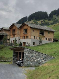 Alpine homes. Cabin Ideas, House Ideas, Peter Zumthor, Leis, House Building, Switzerland, Facade, Villa, Minimalist