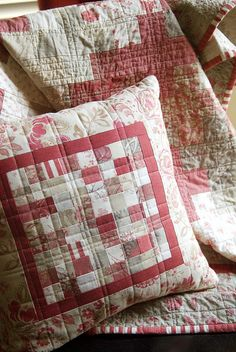 Quilted pillow - so pretty!