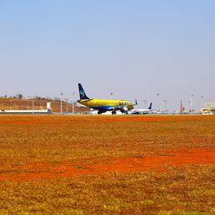 Embraer E190, PP-PJQ, AZUL Linhas Aéreas na corrida de decolagem na pista 16 de Confins na tarde desta terça feira. #cnf #cnfaovivo #bh #bhz #bhairport #bhairportcargo #azul #azuldobrasil #azullinhasaereas #azulbrazilianairlines