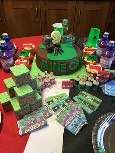 Mine craft cake & set up