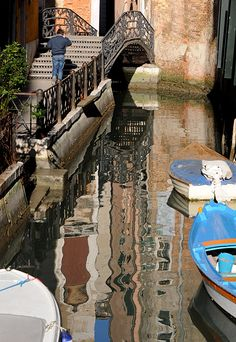 One of the most visited sestieri, San Marco nevertheless contains almost hidden little streets and quiet canals.