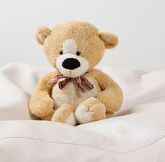 7 great tips to help your child stay in bed and have a restful nights sleep. Includes the perfect bedtime routine and how much sleep your child should have. Stay In Bed, Bedtime Routine, Language Activities, Motivational Quotes For Life, Baby Hacks, Speech And Language, Parenting Hacks, Parenting Quotes, The Book