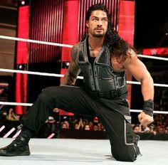 Roman Reigns the greatest WWE  wrestlers he is my favorite WWE superman hero I would love  to meet Roman reigns ( Joe  a handsome guy believe that