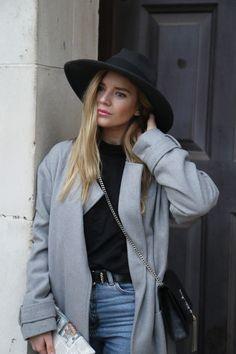 Keep warm with UGG 70s Fashion, Covet Fashion, Autumn Fashion, Fashion Looks, Isabella Thordsen, Stay Classy, Fall Winter Outfits, Personal Stylist, Festival Fashion