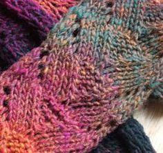 Orca Tails scarf pattern - aran wt - free