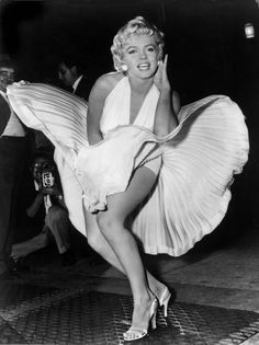popular Marilyn Monroe pics | Marilyn Monroe in dress Debbie Reynolds The Auction Press Release