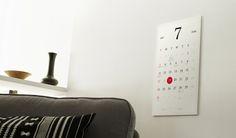 """Kosho Tsuboi é um designer de produtos que passou parte de vida em um templo budista, tornando-se profundamente consciente da relevância do tempo e da tactilidade na formação e definição da experiência humana.  Essa vivência se traduz no """"Magic Calendar"""", um calendário feito de e-paper: http://www.showmetech.com.br/magic-calendar-e-um-calendario-feito-de-e-paper/  #gadgets #tecnologia #magiccalendar  #koshotsuboi"""