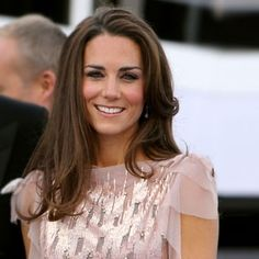 Unsurprisingly Kate Middleton has been named in Vanity Fair's top ten best dressed women of the year. Kate Middleton Pictures, Kate Middleton Style, Duchess Kate, Duchess Of Cambridge, Beautiful Smile, Powerful Women, Maternity Fashion, Vanity Fair, Diana