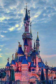 Reduceri de 50% la Disneyland Paris iarna-primavara 2014-2015