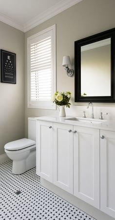 Hamptons style in South Perth with stunning Oswald Homes new build - The West Australian Hamptons Style Bedrooms, Hamptons Style Homes, Die Hamptons, Hamptons Decor, Bathroom Styling, Kitchen Styling, Hampton Style Bathrooms, Perth, Bad Styling