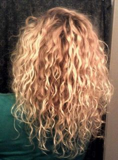 # long # curly hair # long curly hair - All For Colors Hair Curly Hair Cuts, Long Curly Hair, Curly Hair Styles, Natural Hair Styles, Curly Girl, Permed Hairstyles, Pretty Hairstyles, Grunge Hair, Dream Hair