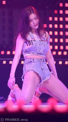 [직캠/Fancam] 151218 레이샤(LAYSHA) (혜리) Emergency @ 젊은통일 사랑해요 대한민국