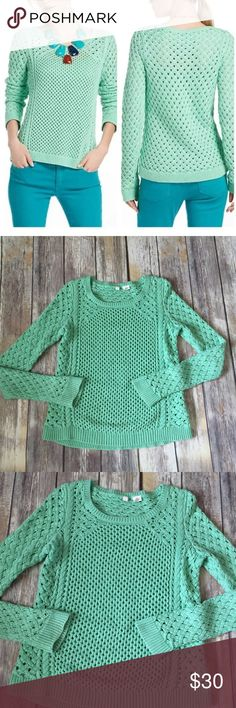 """Anthropologie Moth Stitched Medley Sweater Green Gorgeous sea foam green Moth """"Stitched Medley Sweater"""" from Anthropologie. Excellent condition with no flaws. Size XS. Slight hi lo hem, at longest at back measures approximately 22.5"""". ⚓No trades or holds. I negotiate only through the offer button. Any measurements listed are approximate since I am not a seamstress. 🚭🐩B4 Anthropologie Sweaters Crew & Scoop Necks"""