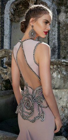 Tarik Ediz Coutour. Beautiful dress.