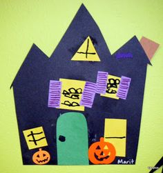 Tippytoe Crafts: Haunted Houses Precut houses and shapes, they place them on the house and draw. For Halloween or letter H Halloween Letters, Halloween Arts And Crafts, Fall Crafts For Kids, Easy Halloween, Halloween Themes, Holiday Crafts, Preschool Halloween, Fall Preschool Activities, Kindergarten Fun