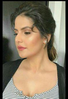 Bollywood Theme, Bollywood Fashion, Bollywood Actress, India Beauty, Asian Beauty, Zarine Khan Hot, Anushka Sharma, Hottest Pic, Celebs