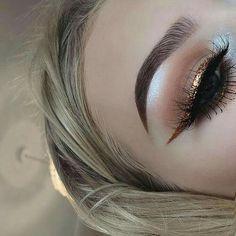 Gorgeous, sexy eye makeup lash factory