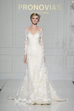 The Best Long-Sleeve Wedding Dresses at Bridal Fashion Week  - ELLE.com
