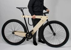 Demadera vélo sandwich en bois par William Root