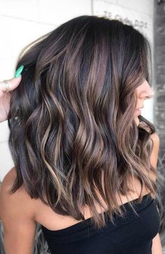 49 Beautiful light brown hair color to try for a new look- The Best Hair Colour Ideas For A Change-Up This Year, Gorgeous Balayage Hair Color Ideas - brown Balayage Highlights,Beachy balayage hair color Brown Balayage, Balayage Brunette, Hair Color Balayage, Balayage Highlights, Medium Balayage Hair, Brunette Hair Color With Highlights And Lowlights Chocolates, Dark Hair With Balayage, Hair Color Brunette, Chocolate Brown Hair With Highlights