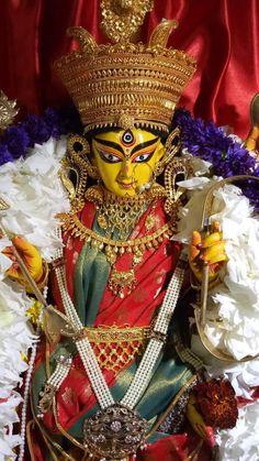 Jagadhatri Puja, Hindu Statues, Navratri Images, Buddha Meditation, Mother Goddess, Krishna Radha, Durga Goddess, Shiva, Sculpture Art