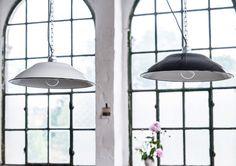 APARTMENT Emaille Lampe Enamel Lamp Fabriklampe Industrielampe lautentico