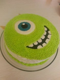 Mike Wazowski-buttercream icing with white chocolate horns.