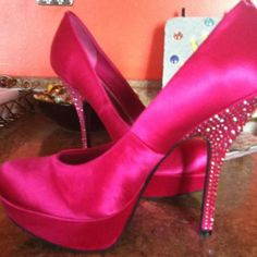 I have these in black....maybe need them in pink to??
