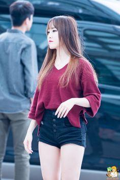 Scene Outfits, Kpop Outfits, Casual Outfits, Girl Fashion, Womens Fashion, Fashion Trends, Gfriend Yuju, Fashion Seasons, Korean Women