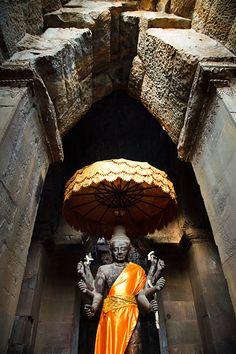 Statue of Hindu Lord Vishnu in Angkor Wat Cambodia. Hinduism and Buddhism co-exist. Vietnam, Photography Portfolio, Travel Photography, Laos, Angkor Wat Cambodia, Khmer Empire, Phnom Penh, Buddhist Temple, Place Of Worship