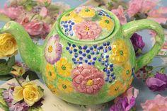 Vintage Home - The Prettiest Cottage Floral Teapot.